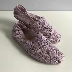 Lilac Lace Toms Slip-on Flats 8.5